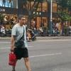 违法横穿马路机动车不礼让行人电动自行车违规载人的现象仍较为突出